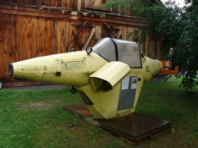 One Man Submarine Plans http://tinselman.typepad.com/tinselman/2009/09/homemade-submarines.html